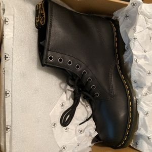 Dr. Martens 1460 Boot Black 8-eye Nappa Leather